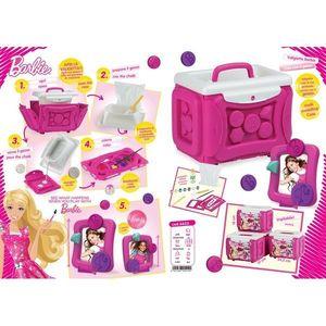 Valiza Barbie Fa Singur Rama Foto Faro imagine
